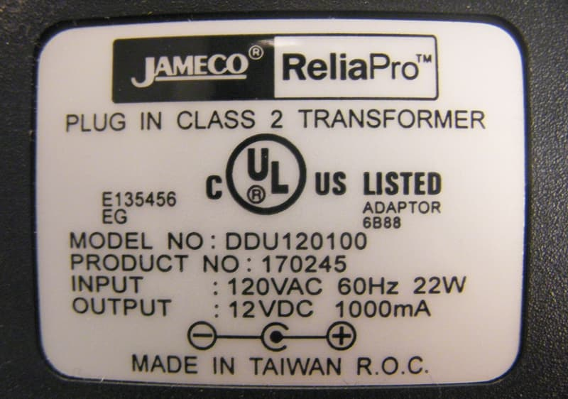 Power adaptor with AC rating